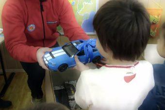 A Ford karácsonyi játékautókat gyárt gyerekeknek