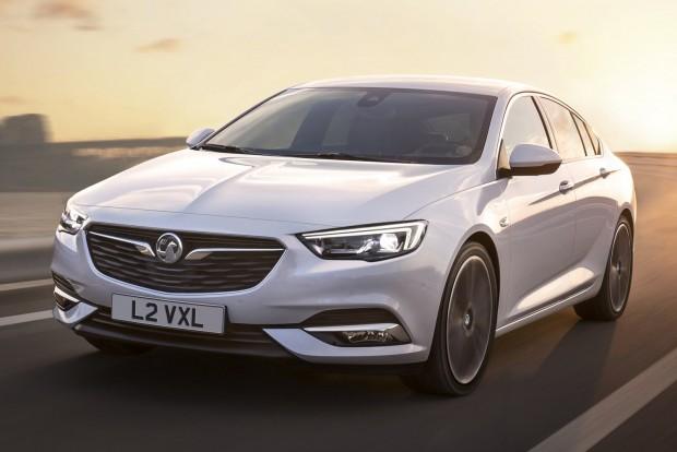 Ez lesz az első Opel, amely aktív (ütésre felpattanó) alumínium motorházfedelet kap, igazodva az EuroNCAP egyre szigorúbb követelményeihez.