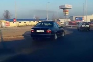 Már az RTL is felkapta a körforgalomban szórakozó BMW-st