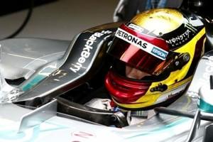Rosberg autójában Wehrlein: Köszi, Nico!