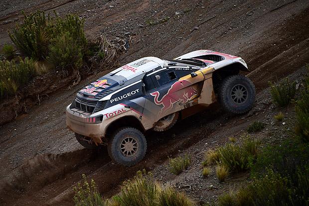 Dakar: ismét Loeb az élen, törölték a szerdai szakaszt