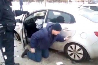 Kiesik a részeg a törött autóból, de nem ez a dühítő, hanem a gyerekülés hátul