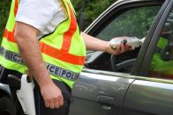 Keményít a rendőrség: minden sofőrnek szondát kell fújni