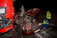 Megrázó képeken a halálos akasztói karambol