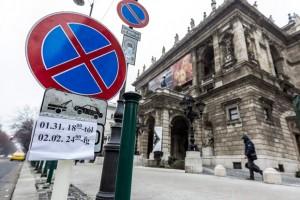 Összeomlik Budapest, lezárások Putyin miatt