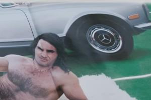 Meztelen autós videót találtunk Federerről
