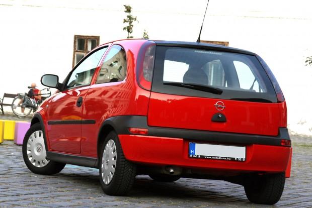 6000 forintba került és sokkal jobban működik az autó a gyári gyújtógyertyákkal. Pedig az eddigi NGK-gyertyák sem voltak elaggottak