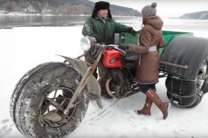 Háromkerekű szörny, ami a tél szemébe röhög