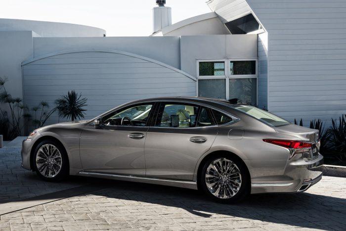 Lexus LS (4)