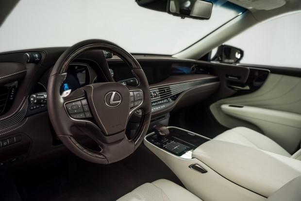 Lexus LS (8)