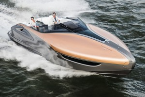 Vízen jár a legerősebb Lexus