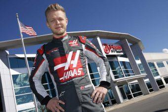 F1: Teljes harci díszben Kevin Magnussen