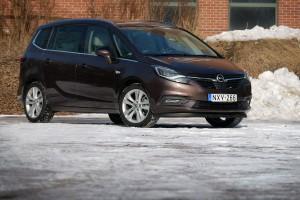 Új arc a régi testen: Opel Zafira