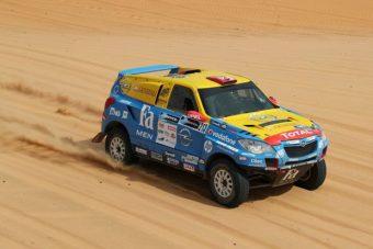 Africa Race: elromlott Szalayék autója, visszacsúsztak
