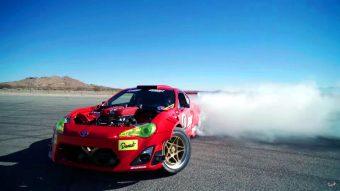 Így megy keresztbe a Ferrari szívű Toyota GT86-os