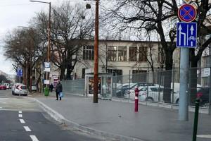 Nem létező KRESZ-táblák a Fehérvári úton