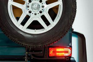 Letépi legdurvább autójának tetejét a Mercedes