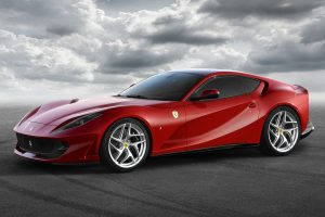 Ferrari 812 Superfast: elképesztő csúcsmodellel újít Modena