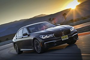 200 új fotón a BMW abszolút zászlóshajója