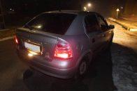 Trükkös lopás, gyerekkel vitték az autót Pápán
