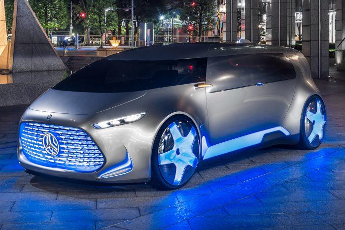 A Mercedes-Benz Vision Tokyo a BMW 100. évfordulójára alkotott Rolls-Royce és MINI tanulmányokat szorította le a dobogó csúcsáról; utóbbiak a BMW autó- és motorkoncepciójával együtt a Design Nagydíjjal vigasztalódhattak.