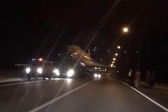 Óriási repülő látványától esett le az autósok álla