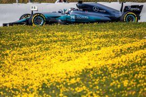 F1: Befagyasztanák a Mercedes motorját
