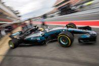 F1: A Red Bull szerint így csal a Mercedes