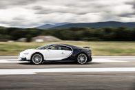 Hajmeresztő, mire képes 1 perc alatt az új Bugatti