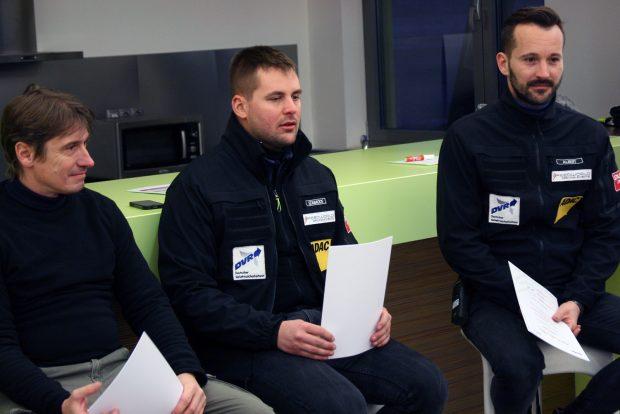 Ők voltak az oktatóink: balra Péter Zsolt, középen Szabados Dávid, jobbra Albert Péter. A szlalomot oktató Bálint Zoltán szlalom és Kollár Gábor sajnos lemaradt a képről