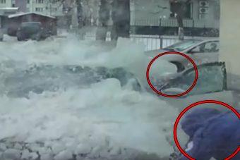 Hatalmas jégtömb csapta szét a Škodát
