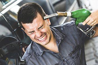 Drága a magyar üzemanyag, ennyiért adják a szomszédok
