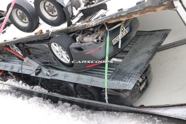 Porsche-Truck-Crash-2
