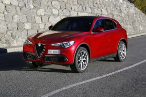 Alfa Stelvio:  SUV, ami sportkocsinak képzeli magát