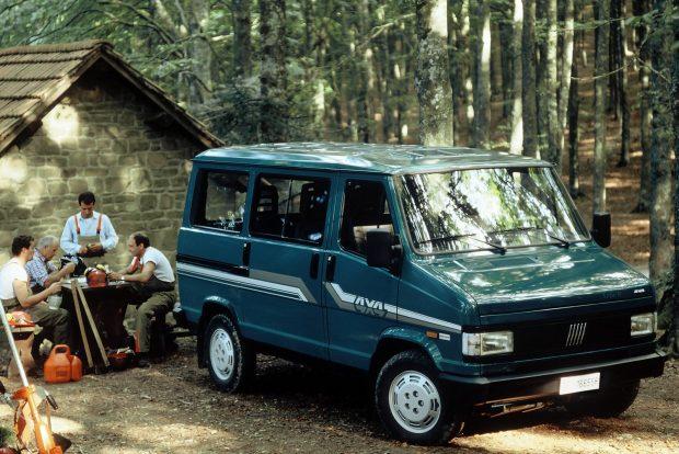 Összkerekes kisbusz is készült a Talento első generációjából