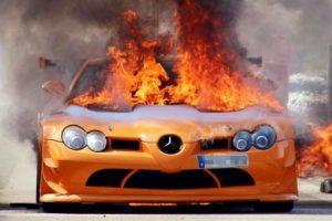 Tűzveszély miatt hív vissza egymillió autót a Mercedes