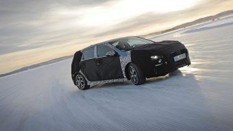 Hóban csapatnak a Hyundai új sportkompaktjával