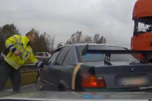Kamion állította meg a rendőrök elől menekülő BMW-t