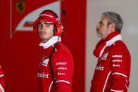F1: A Ferrari-pilótát nem nyomják be a Haashoz