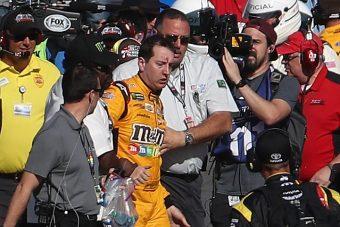Ölre mentek a pilóták, vér folyt a NASCAR-futam után – videó