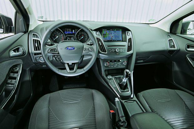 Bár panaszkodunk évek óta, a Ford nem tesz rendet a kapcsolói között