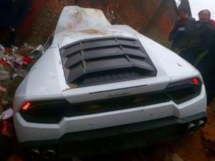 Méltatlan helyen csapták falnak ezt a Lamborghinit