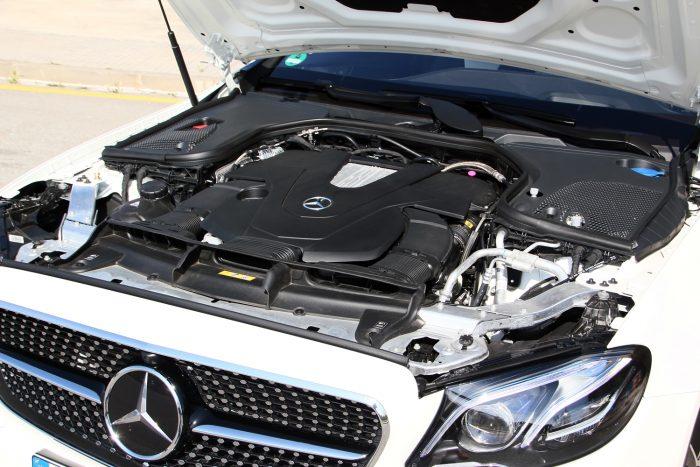 Bármilyen helyzetre bőségesen elég a V6-os biturbó 333 lóereje