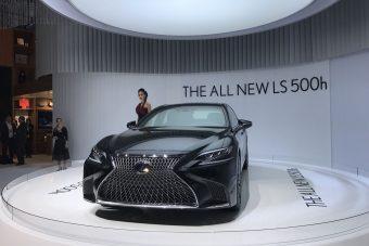 Gyalogost kerül az új Lexus