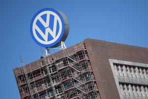 Kényszernyugdíjazza igazgatóit a Volkswagen