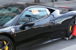 Csúnya dolgot csinált egy Ferrari Budapesten, kapott is érte ajándékot