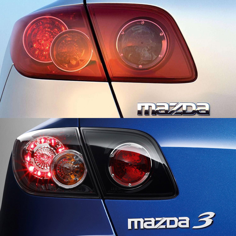 Fent a korábbi, lent a 2006 utáni ötajtósok hátsó lámpája. A felirat is változott