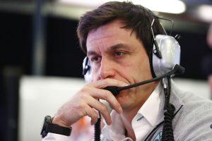 F1: A Mercedes még nem bújik ágyba a McLarennel