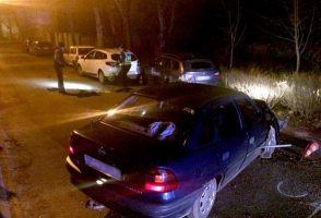 Ittas sofőr zúzott parkoló autókat Nyíregyházán