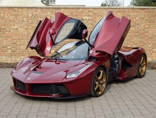 Rosso-Rubino-Ferrari-LaFerrari-12